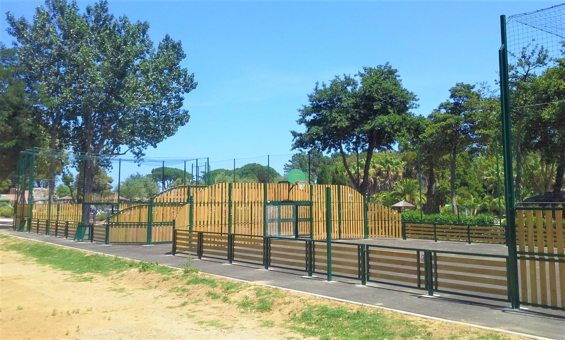 Terrain Sportif Bois